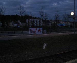 Transpi am Bahnhof